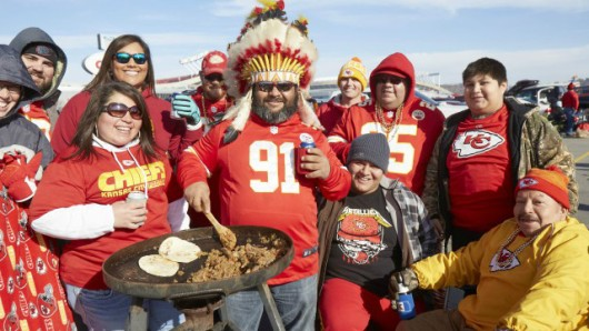 chiefs-fans-build-beer-tower-fight-mannequin-challenge-in-loss-vs-buccaneers