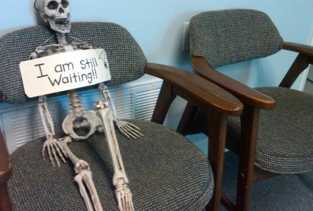 skeleton-waiting-666x450