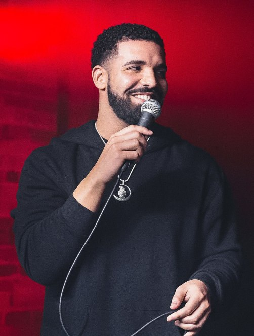800px-Drake_at_the_Velvet_Underground_-_2017_(35986086223)_(cropped)